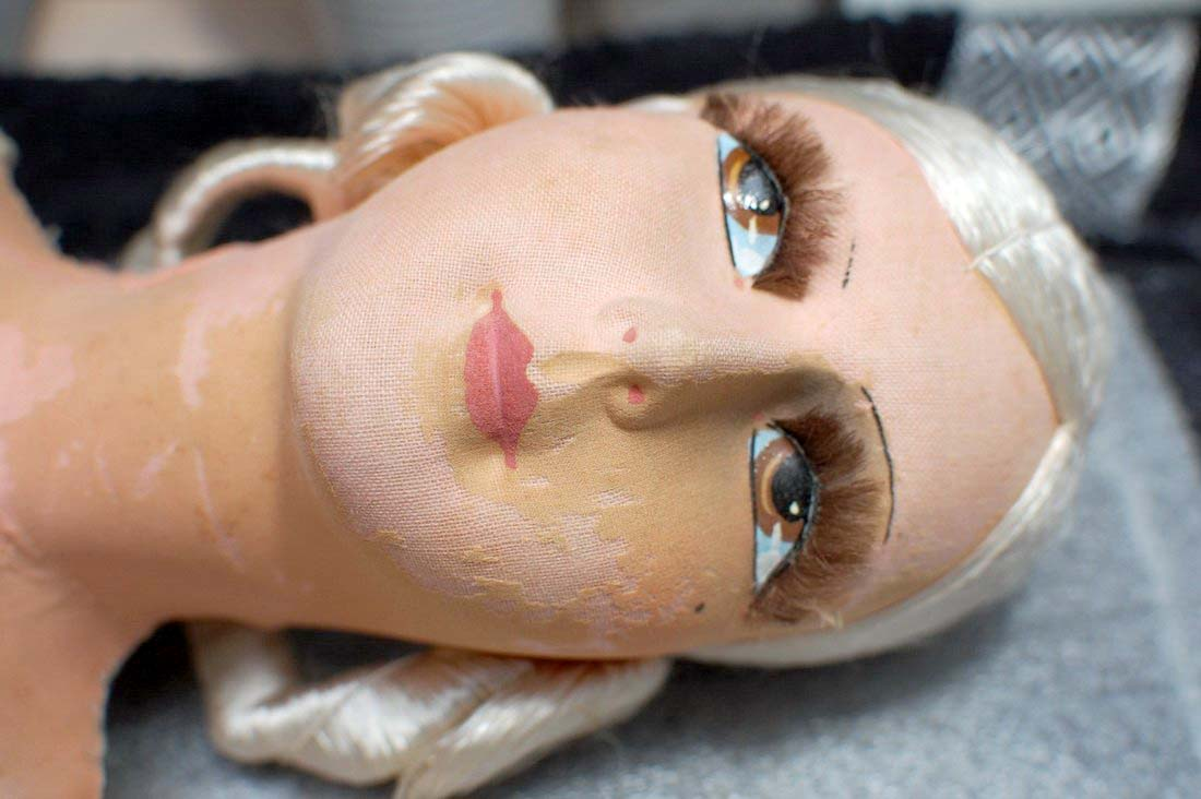 очистка лица куклы
