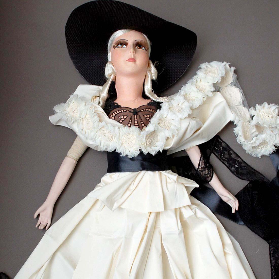 будуарная кукла в новом платье