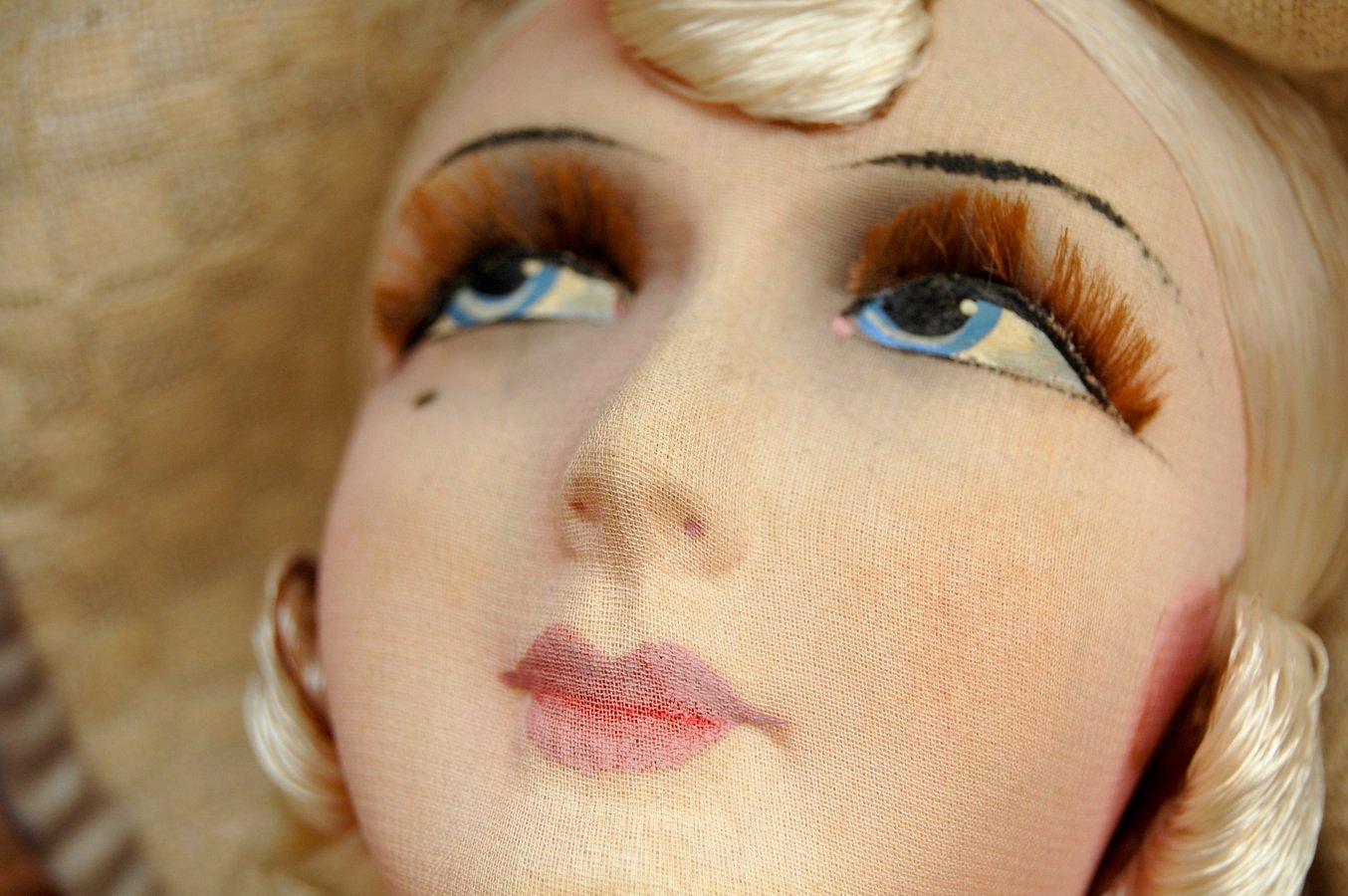 роспись кукольных губ