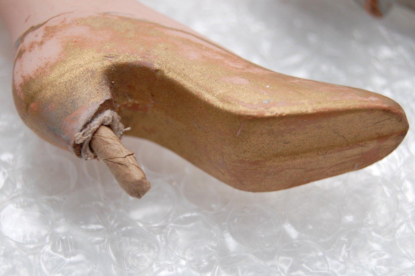 ремонт каблука будуарной куклы