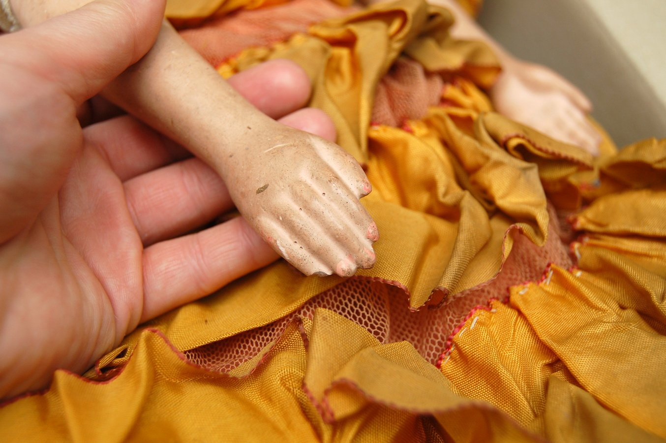 руки будуарной куклы до ремонта