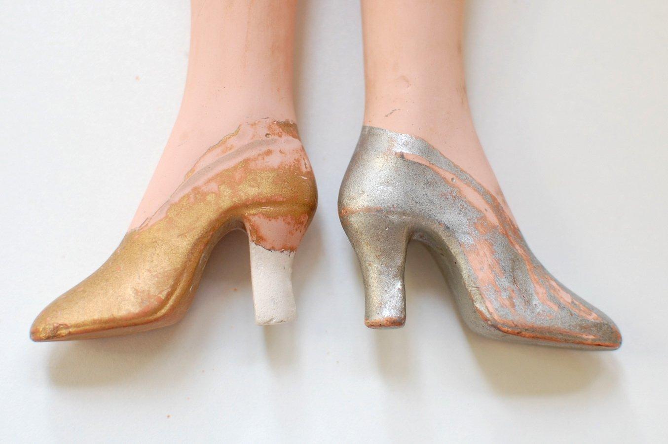 результат после ремонта ноги будуарной куклы