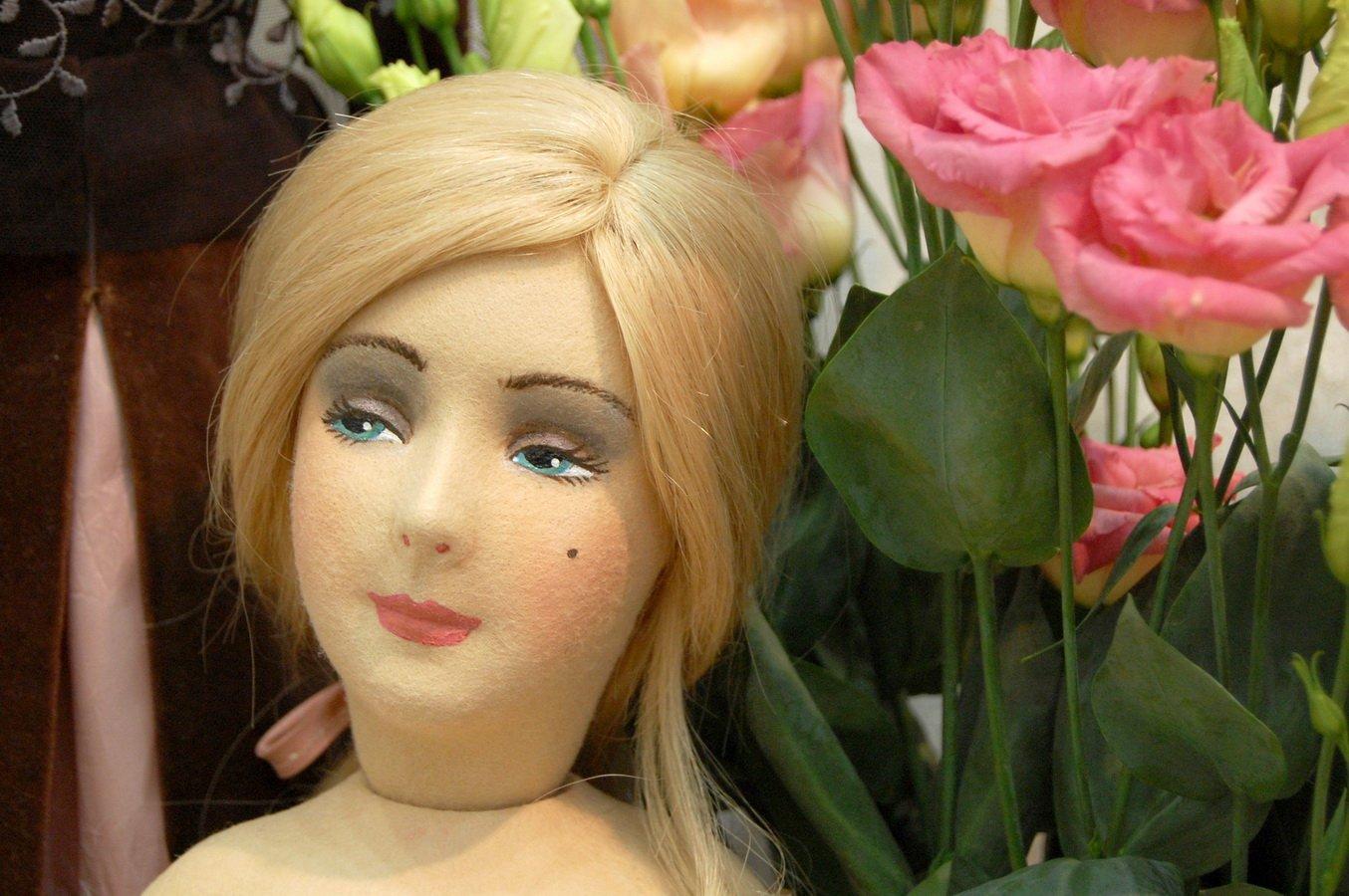 будуарная кукла из фетра