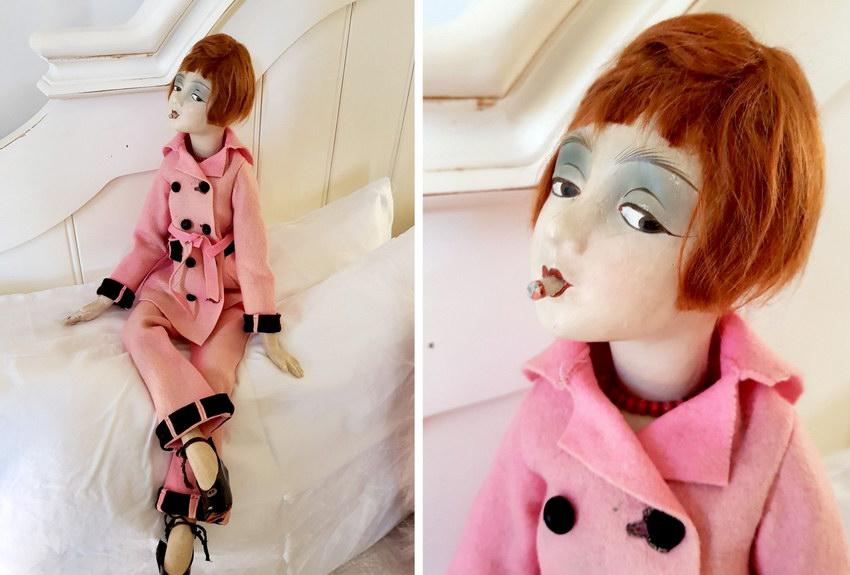 курящая кукла
