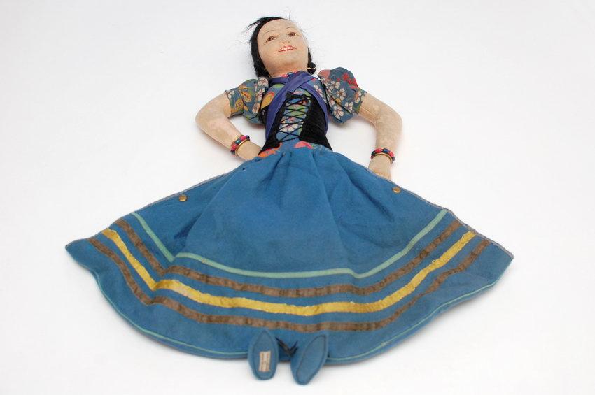 войлочная кукла nightdress case Norah Wellings