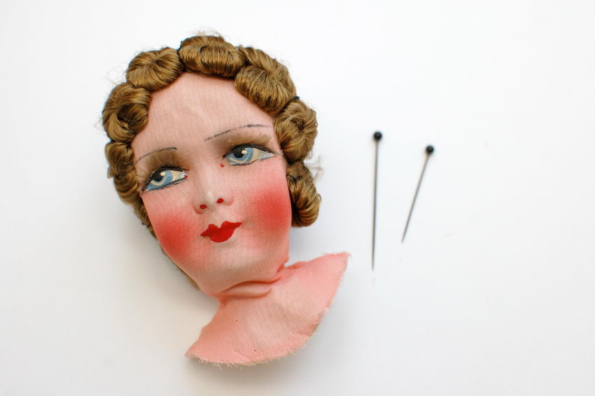текстильная голова антикварной будуарной куклы