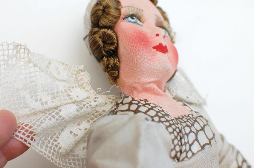 кружевной воротник будуарной куклы