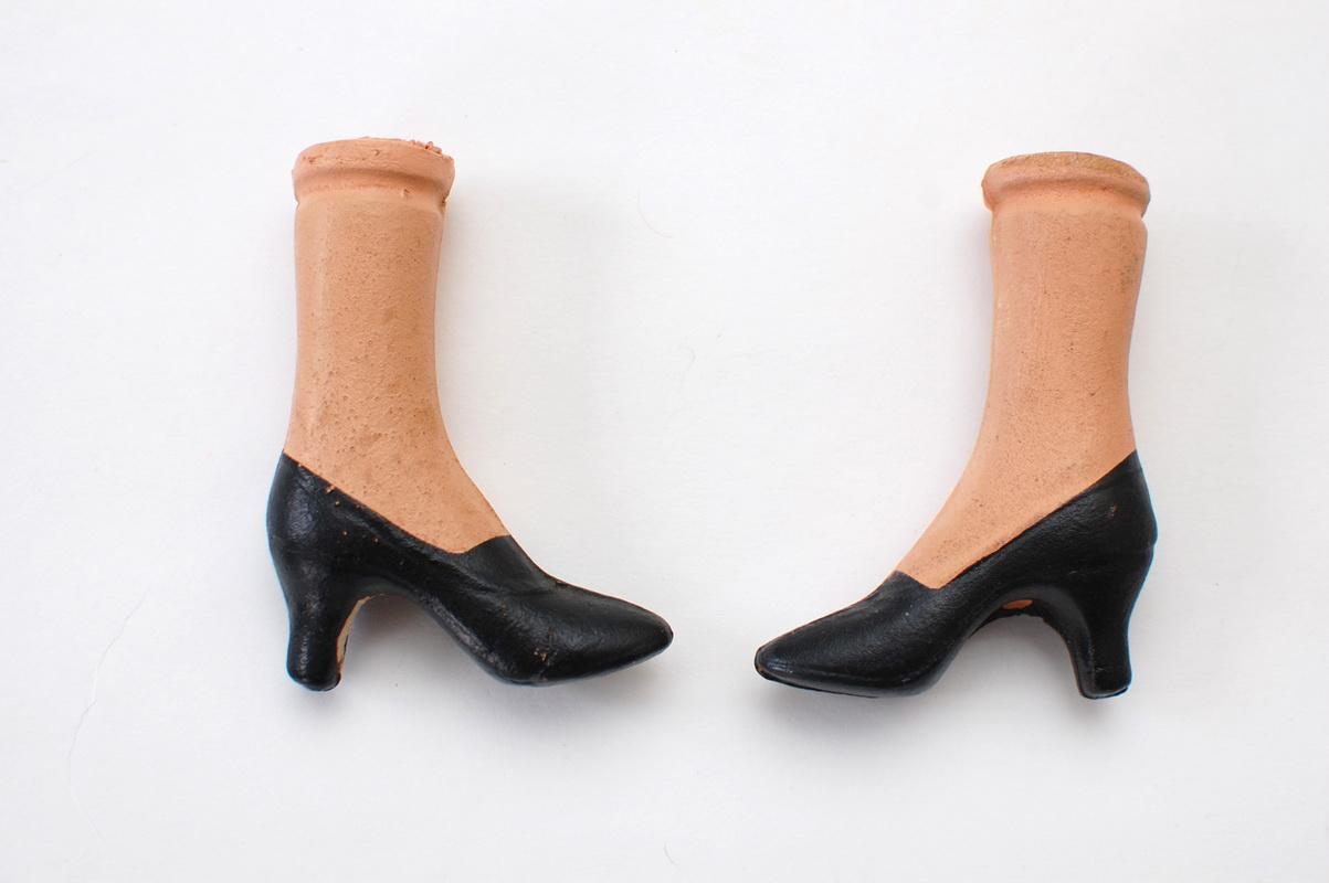композитные ноги американской будуарной куклы